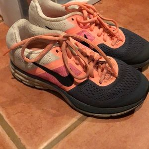 Nike Peach Fitsole Running Shoes Size 5